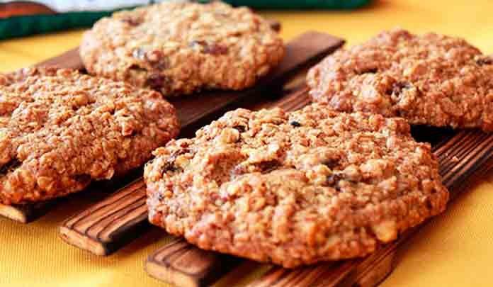 Как приготовить диетическое овсяное печенье?