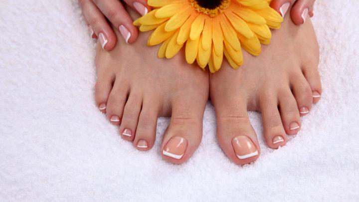 Причины расслаивания ногтей на ногах